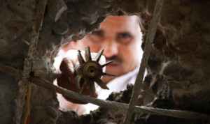 villagers-show-shells-fired-on-their-village-allegedly-from-pakistan-in-r-s-pura-sector-of-jammu-and-kashmir-near-indo-pakistan-border3