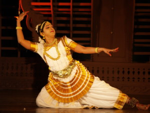 Mohiniyattam - Renowned Art form of Kerala