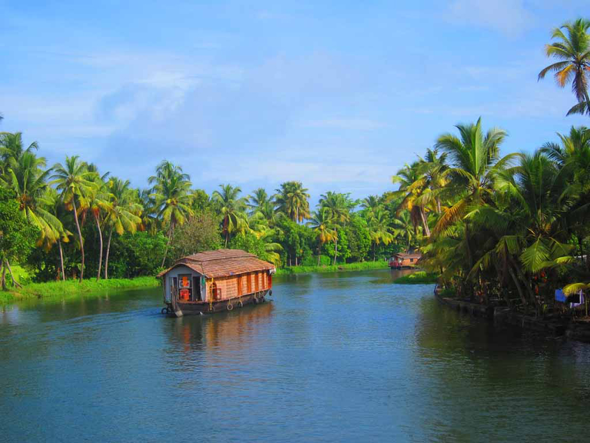 House Boat - Best Honeymoon Destinations