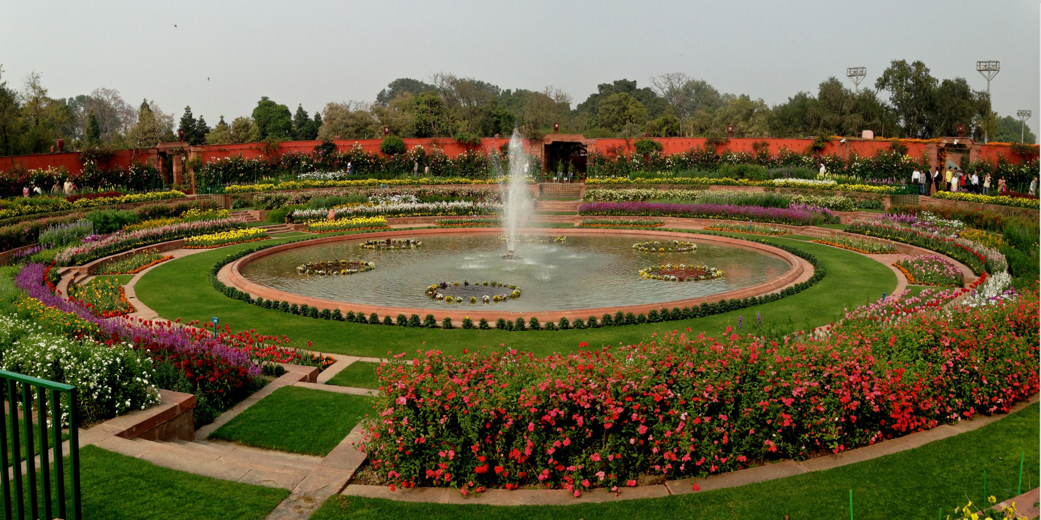 Famous Gardens in India - Astounding Design and Aesthetic Richness