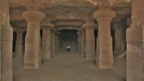 Elephanta Island : Travel Back in Time to the Ancient Cave City of Shiva Cult