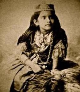 Early life of Rani